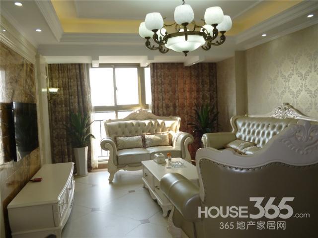 【青枫壹号三室两厅欧式豪华装修实木地板