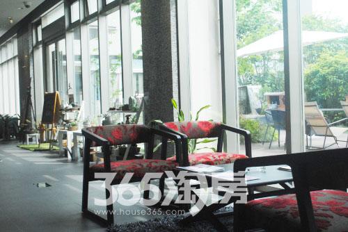 裕沁湖畔庭售楼处内部实景图