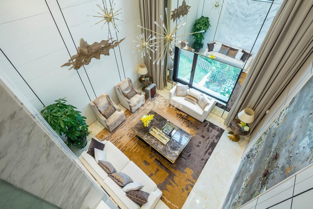 瑞安翠湖山201㎡上叠挑高客厅样板间
