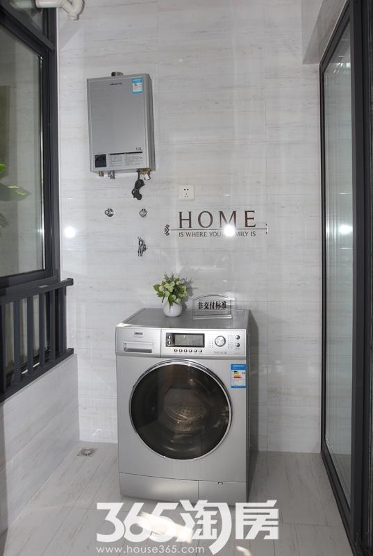 宝利丰广场公寓样板房阳台洗衣间