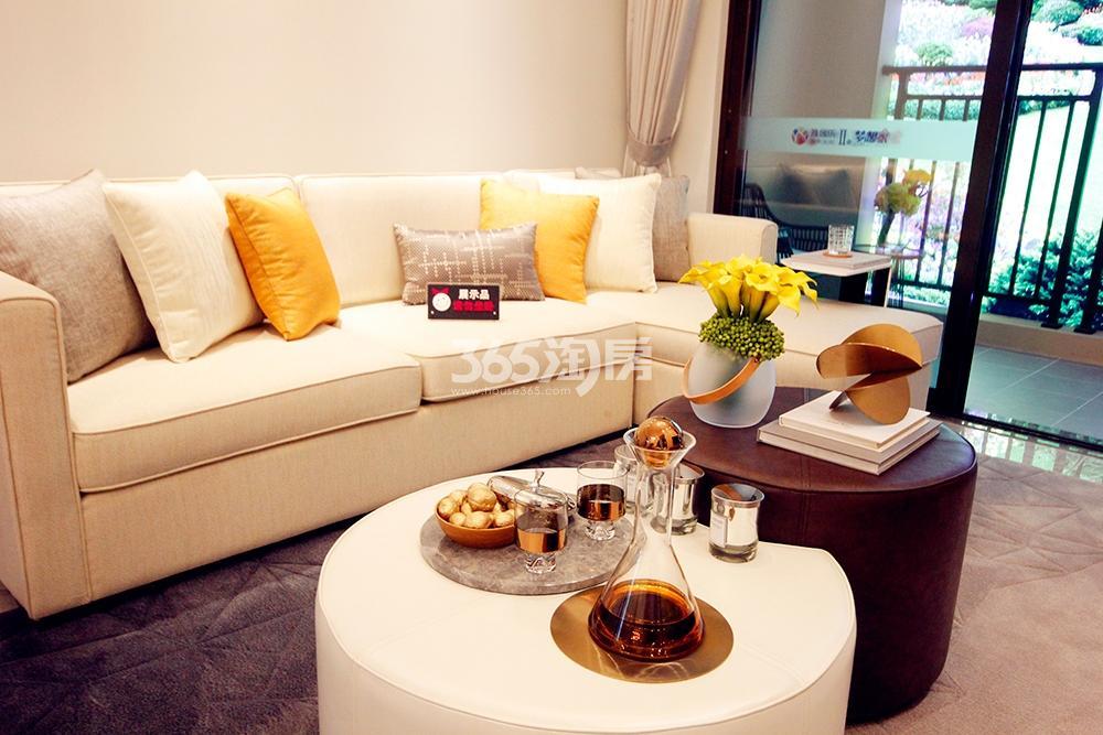 雅居乐国际花园二期89方样板房——客厅