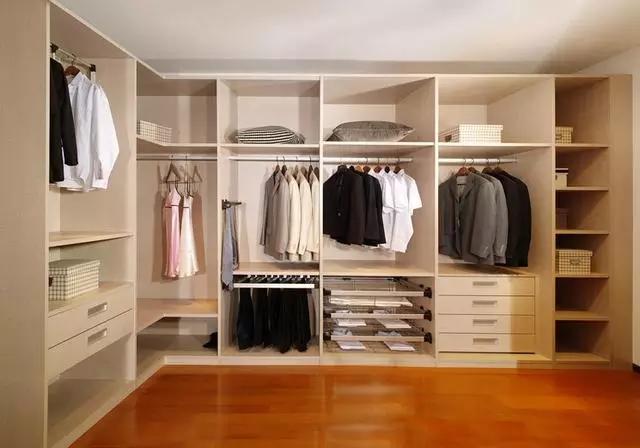 打造个性卧室 定制衣柜才是王道