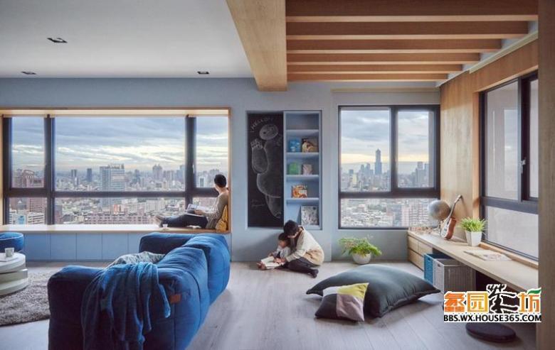 起居室墙面的窗子做了最大尺度的优化,为房间提供了极好的视野与阳光。